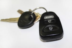 image of car keys to visually support page about how to report auto loans